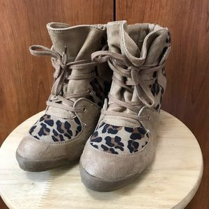 Forever 21 brown animal print wedge booties
